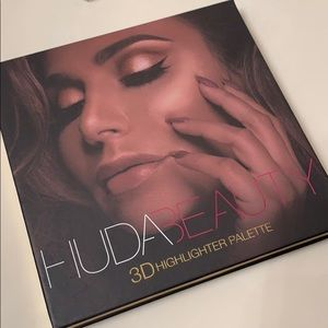Huda Beauty Golden Sands Highlohht Palette